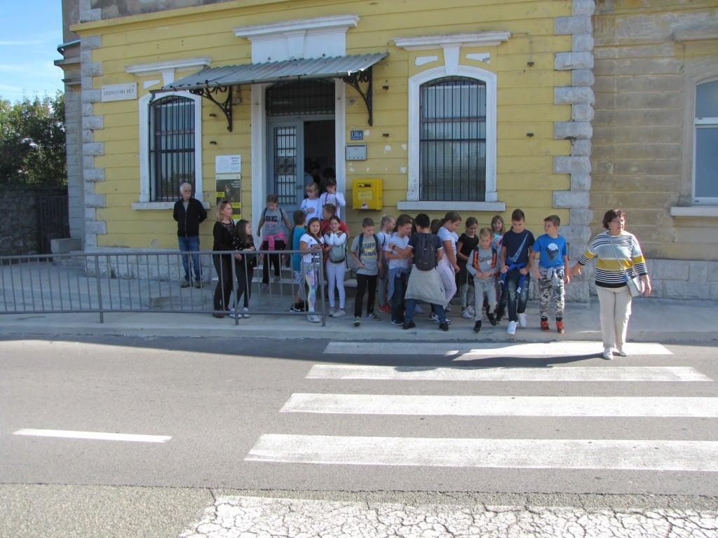 Učenici u muzeju